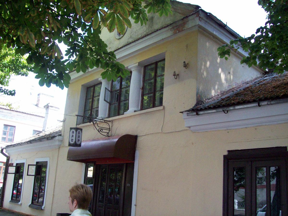 Найстаріший унікальний будинок на історичній вулиці на межі зникнення