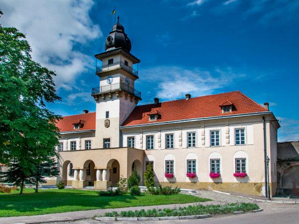 Нотатки з подорожі Львівщиною: як стати туристично привабливим містом
