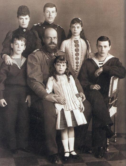 Олександр ІІІ з родиною, 1890 рік