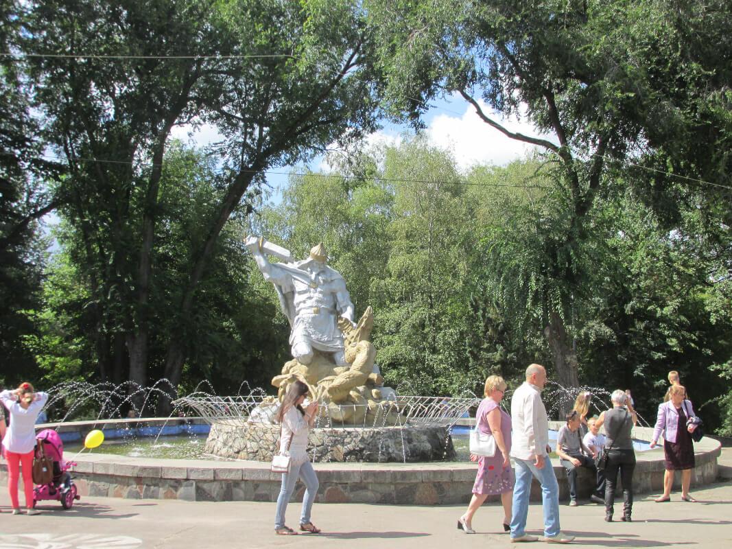Пиляти коректно, чи ні, або Поневіряння старого фонтана