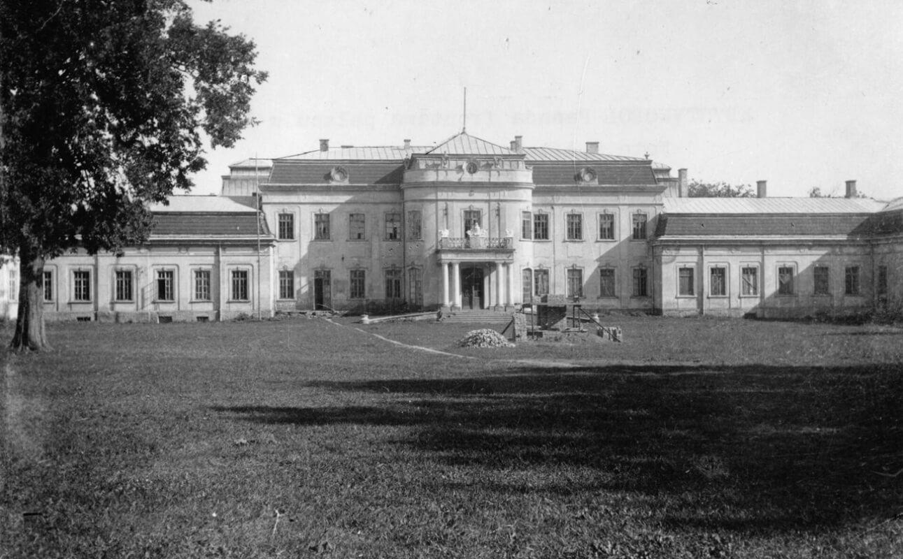 Палац Потоцьких у Кристинополі на унікальних ретро фото