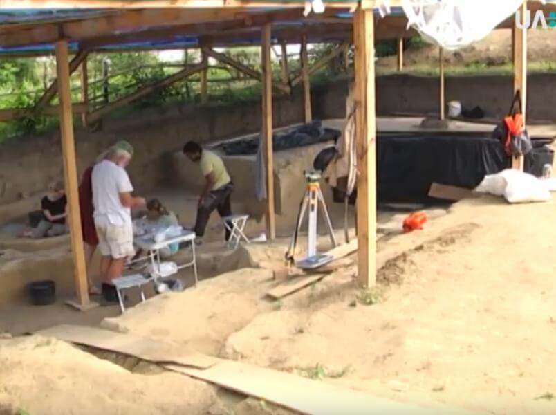 У Бармаках досліджують стоянку періоду палеоліту