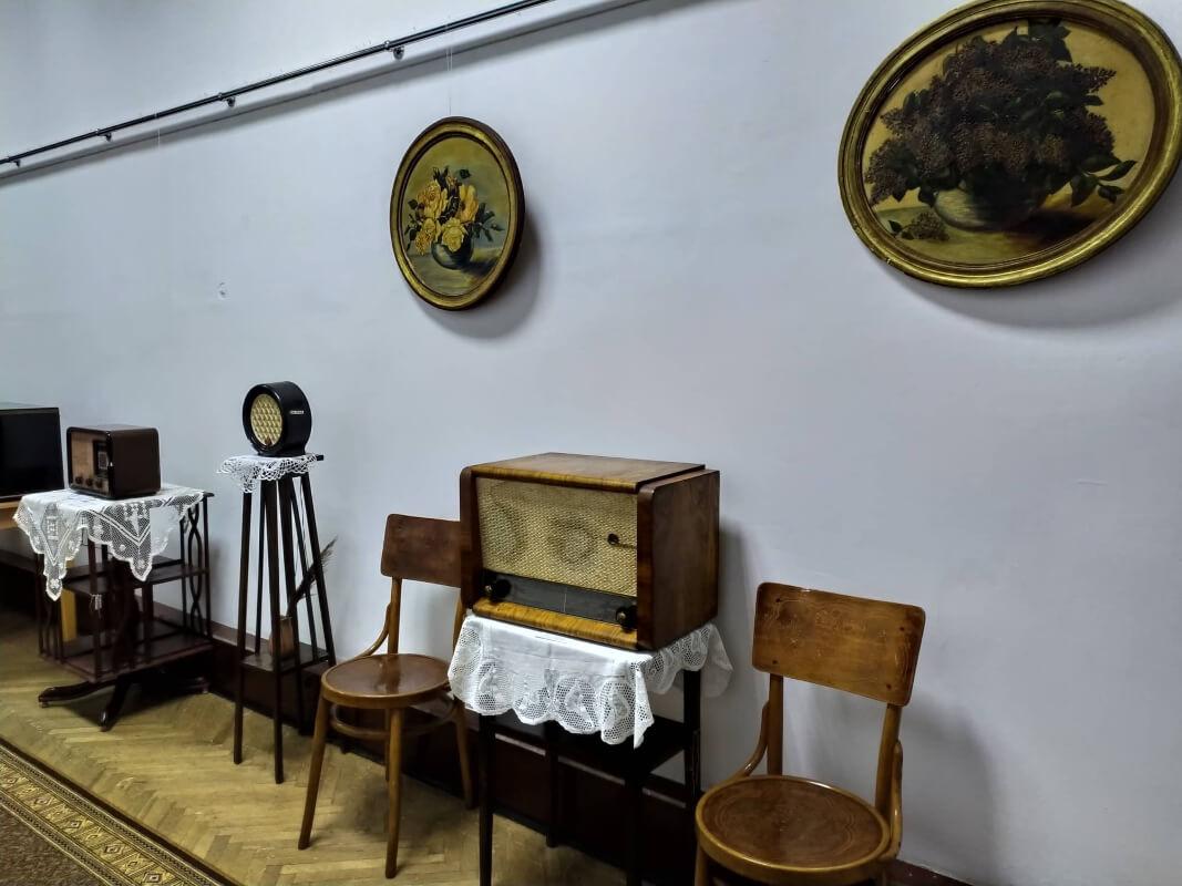 """Виставка """"брехунців"""" різних часів відкрилася в Рівненському краєзнавчому музеї"""