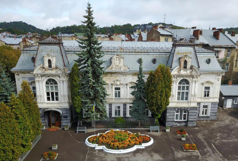 Десять фактів про палац Семенських-Левицьких у Львові
